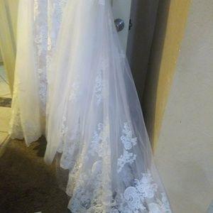 Allure bridal wedding dress C387